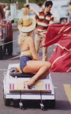 Vintage Drag Racing - Linda Vaughn and her replica '79 Hurst/Olds Go cart!