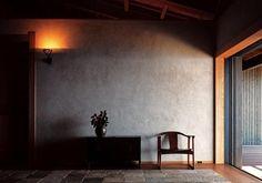 Kakinuma Schri, 井上孝治写真ギャラリー Minimalist Room, Minimalist Interior, Interior Architecture, Interior And Exterior, Greece House, Zen Style, Japanese Interior Design, American Interior, Living Styles