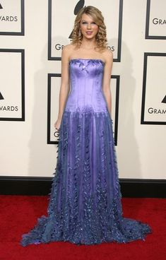 Taylor Swift Clothes.  I love the color of this dress!!!