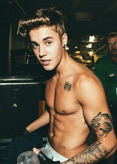 JUSTIN BIEBER he is so hot with six pacs. I LOVE YOU!!!!!!!!!!!!!!!!!!! xoxo