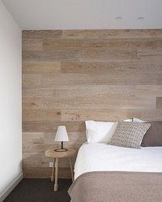 Buenos días!!!! Feliz jueves y que mejor manera de recibir cada día con la calidez que proporciona los revestimientos de @decoart_ve son ideales para el piso y también lo puedes utilizar en paredes. Ven a nuestro show room y cotiza. #rasmia #decoart #piso #paredes #revestimiento #solucionperfecta #sinescombros #antiruido #calidez #madera #vinil