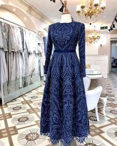 Hijab Dress Party, Wedding Henna, Casual Hijab Outfit, Pakistani Bridal Dresses, Beautiful Prom Dresses, Look Chic, Hijab Fashion, Glamour, Gowns
