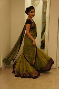 Mint green Lehenga Indian Bridal Wear, Asian Bridal, Indian Wear, Pakistani Couture, Pakistani Outfits, Indian Outfits, Ethnic Fashion, Indian Fashion, Mirror Work Blouse Design