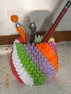 Porta lapices 3d Origami, 3 D, Coin Purse, Ideas, Diy And Crafts, Woodworking Furniture, Craft, Thoughts, Coin Purses