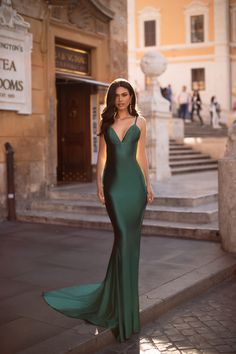 Emerald Formal/Prom Gown - Alamour The Label Gala Dresses, Event Dresses, Satin Dresses, Pretty Dresses, Beautiful Dresses, Long Mermaid Dress, Emerald Green Dresses, Emerald Green Evening Dress, Long Evening Gowns