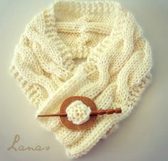 Ravelry: Project Gallery for Cable Neckwarmer pattern by Ana Contreras