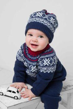 Ravelry: Genser, bukse og lue pattern by Berit Ramsland Baby Boy Knitting Patterns, Knitting For Kids, Knit Patterns, Baby Knitting, Viking Baby, Knit World, Baby Barn, Knit Crochet, Crochet Hats