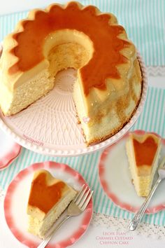 Luscious leche flan aka caramel custard on a light and fluffy chiffon cake is a unique and delicious cake that gives you the best of both worlds. Custard Desserts, Custard Cake, Delicious Desserts, Sweet Recipes, Cake Recipes, Asian Recipes, Dessert Recipes, Chocolate Flan Cake, Tiramisu