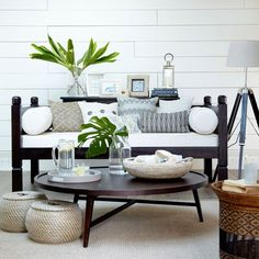 Love the black and white with a touch of tropical for a deck