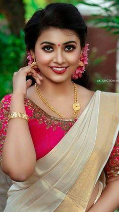 Beautiful Girl In India, Beautiful Girl Image, Beautiful Saree, Most Beautiful Women, Beautiful Roses, Beautiful Bollywood Actress, Most Beautiful Indian Actress, Beautiful Actresses, Cute Beauty