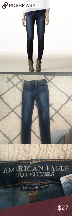 american eagle super stretch hi-rise jegging High level stretch holds its shape & won't bag out so you always look and feel like your best self ✨Dark indigo wash ✨Only worn a couple of times ✨Size 0 American Eagle Outfitters Pants Leggings