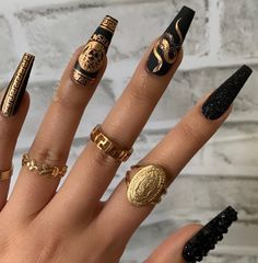 Discovered by -. Find images and videos about nails, nailart and Versace on We Heart It - the app to get lost in what you love. Edgy Nails, Aycrlic Nails, Grunge Nails, Stylish Nails, Swag Nails, Edgy Nail Art, Nail Nail, Halloween Acrylic Nails, Best Acrylic Nails
