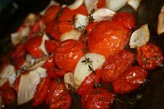 Slow Roasted Tomatoes - Great base for sauce.How to slow roast and revive even less than stellar tomatoes using your stove. Use them as a condiment, on sandwiches. Fresh Tomato Soup, Fresh Tomato Recipes, Vegetable Recipes, Oven Roasted Tomatoes, Deep South Dish, Vegetable Side Dishes, Southern Recipes, Summer Recipes, Holiday Recipes