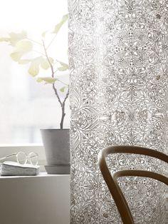 Tältä näyttävät kevään trendikkäimmät tekstiilit Decor, Curtains, Printed Shower Curtain, Home, Prints, Home Decor