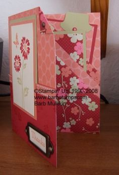 I learned how to make a very similar card this weekend at a stampin Up party. It helps you utilize those sheets without wasting paper. What you cut off to make the 8 x 11 becomes the inserts. Best use of double sided paper I've ever seen Fun Fold Cards, Folded Cards, Scrapbook Paper Crafts, Scrapbook Cards, Scrapbooking, Card Making Templates, Step Cards, Shaped Cards, Pocket Cards
