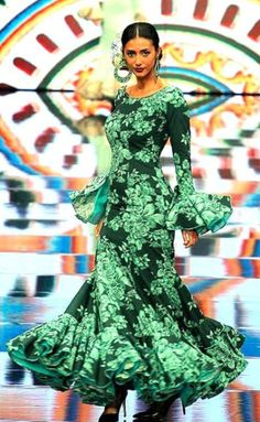 Flamenco Costume, Flamenco Dresses, Cute Dresses, Summer Dresses, Spanish Fashion, Ballroom Dress, Red Carpet Dresses, Classy Women, Holiday Outfits