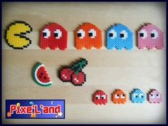 She Pix it ! Perler Bead Designs, Diy Perler Beads, Pixel Beads, Fuse Beads, Pac Man, Hama Beads Patterns, Beading Patterns, Xmas Crafts, Diy And Crafts