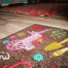 """Gefällt 48 Mal, 5 Kommentare - by Kleen-Tex (@wash_and_dry_floorfashion) auf Instagram: """"Ob sich heute nochmal ein Tag im Garten anbietet, ist fraglich- hier regnet es ☔️. Egal, wir machen…"""" Terrace Garden, Kids Rugs, Instagram Posts, Home Decor, Don't Care, Garten, Decoration Home, Kid Friendly Rugs, Room Decor"""
