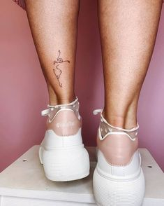 Geometric foot tattoo patterns release your extreme charm - Small animal tattoo on foot, Small unique foot tattoo design for woman, female foot tattoo, meaningf -