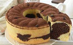 CIAMBELLONE al TIRAMISU Variegato soffice e SENZA BURRO Sweet Desserts, Sweet Recipes, Cake Recipes, Dessert Recipes, Torta Angel, German Baking, Torte Cake, Oreo Cheesecake, Savoury Cake