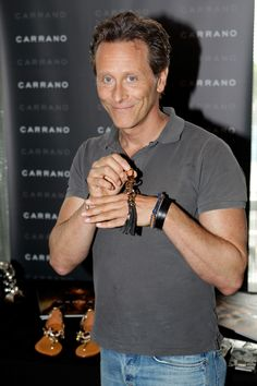 Steven Weber (actor) Actor Steven Weber models off