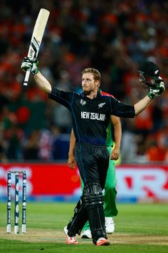Martin Guptill made his first World Cup hundred, New Zealand v Bangladesh, World Cup 2015, Group A, Hamilton, March 13, 2015