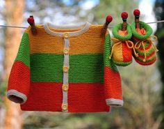 layette ensemble mérinos naissance brassière et chaussons neuf tricoté main : Mode Bébé par com3pom