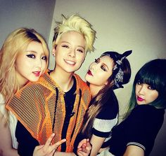 Hyuna, Sohyun, and Jiyoon with Amber Liu