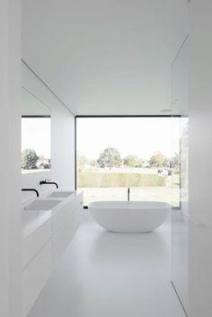 Groot glas in badkamer waardoor de mensen niet kunnen binnen kijken?