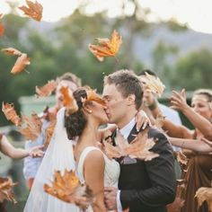 There's only one word to describe this Australian bushland wedding captured by Lara Hotz Photography: EPIC!