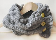Cabled Cowl free