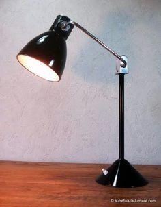 Lampe jumo 800 |    Lampe de bureau Jumo modèle 800 S, vers 1960, répertoriée dans le catalogue de la marque.  Lampe ...
