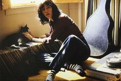 Patti Smith with a kitty cat, 1976