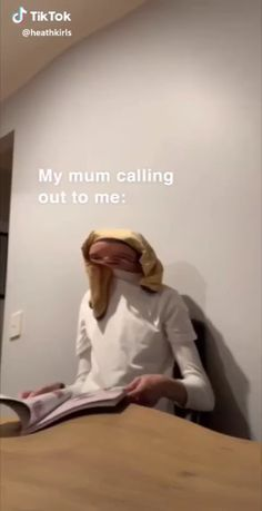 Funny hilarious memes about mom calling out to me! Super Funny Videos, Funny Video Memes, Crazy Funny Memes, Funny Short Videos, Really Funny Memes, Stupid Funny Memes, Funny Relatable Memes, Memes Funny Faces, Memes Humor