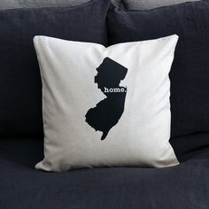 The New Jersey Home Pillow is the perfect way to show off your state pride in your home, while also helping to raise money for multiple sclerosis research.This elegant 22 x 22 pillow is made out of a high-quality fabric that is extremely versatile. You