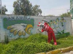 """Ciudad de México a 18 de julio. - Continuando con la campaña """"El verano de Rocco"""", la mascota oficial de los Diablos Rojos visitó los campos..."""