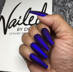 32 Most Attractive Matte Nailstyles For This Season You'd Like To Try As the late autumn approaches, the importance of the nails art becomes stronger and stronger. Matte nails, also known as frosted nails, are one of the most popular kinds of nail styles. Blue Coffin Nails, Blue Acrylic Nails, Matte Nails, My Nails, Royal Blue Nails, Purple Nails, Blue Chrome Nails, Crome Nails, Velvet Nails