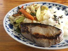 ワンプレートランチ〜鰤の塩麹漬、野菜炒め