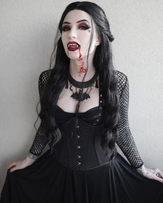 Do You wanna live forever? Female Vampire, Vampire Girls, Vampire Art, Vampire Fangs, Victorian Vampire, Victorian Goth, Goth Beauty, Dark Beauty, Gothic Girls