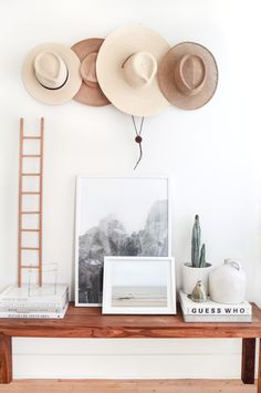 Hat organizing // how to organize hats // wardrobe and accessory organization // hat display // fall wardrobe ideas // home decor // wall art