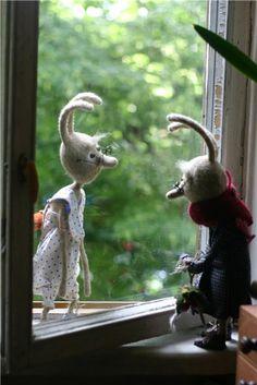 два крупных зайца из шерсти куда-то пошли...