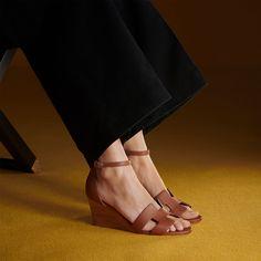 Hermes Legend Wedges Gold Black Heels, High Heels, Hermes Online, Tie And Pocket Square, Elegant, Shoe Collection, Timeless Fashion, Ankle Strap, Fashion Shoes