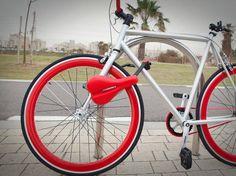 Com o objetivo de proporcionar mais segurança aos ciclistas e suas bikes, um grupo de designers americanos resolveu criar um banco de bicicleta que vira cadeado.   Com o novo modelo, chamado Seatylock, qualquer ciclista pode transformar o acessório em um dispositivo de segurança em apenas dois segundos.