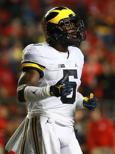 Jabrill Peppers of the Michigan Wolverines