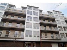 134 South Aberdeen Avenue Unit: 6N, CHICAGO, IL. (listing says private roof deck, no picture)