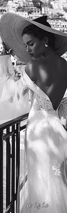 lylo5607 Black White Fashion, Black White Red, Black White Photos, Romans, Color Mixing, Fashion Photography, White Photography, Runway Fashion, Wedding Day