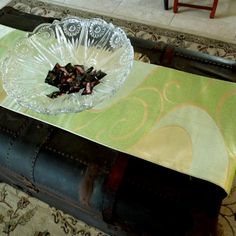 Elegant silk obi table runner green and gold by SumireDesign