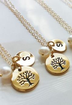 family tree necklaces. so sweet!