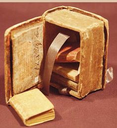 Pocket Library of Lilliputian Folio Books, 1801 :) pic.twitter.com/ceHDB5yxv8