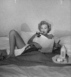 André de Dienes :: Marilyn Monroe, Breakfast in Bed, 1953